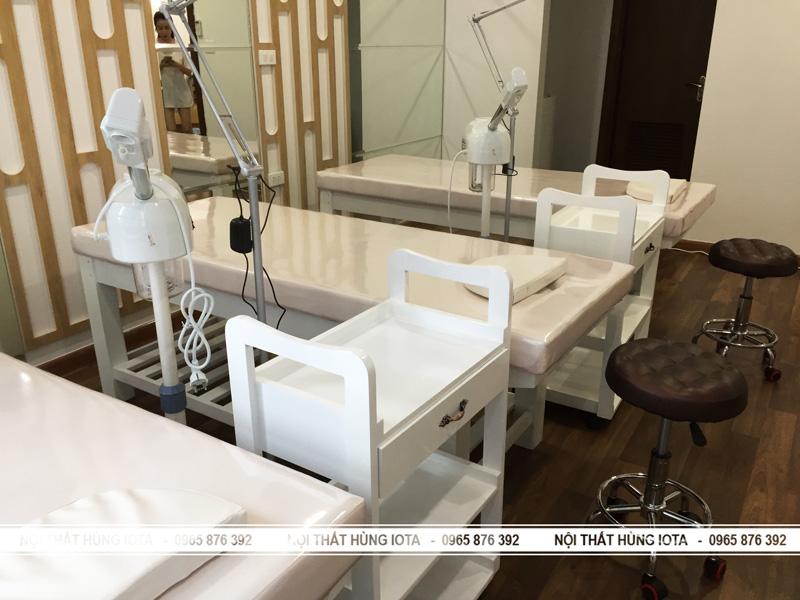 Lắp đặt nội thất spa - Kệ xe spa - Giường spa