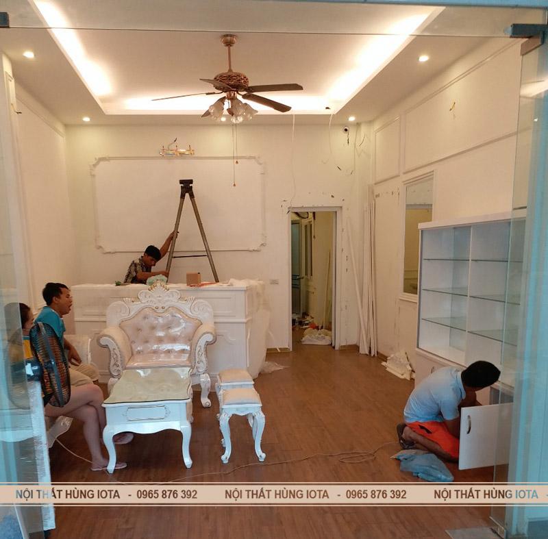 Nội thất spa đẹp Tủ sản phẩm spa + Ghế sofa spa + Quầy thu ngân spa