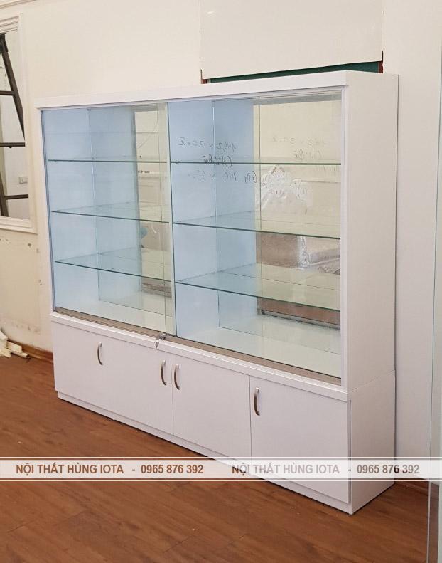 Tủ sản phẩm spa - tủ trưng bày sản phầm bằng kính spa Elysa Beauty & Spa
