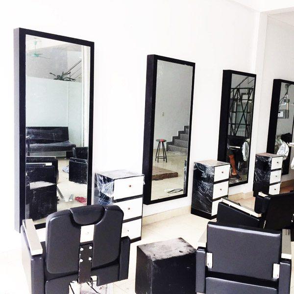 Gương cắt tóc hình chữ nhật đen đẹp giá rẻ