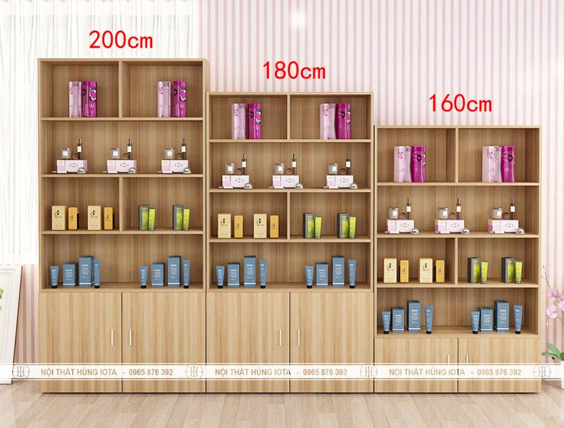 Tủ đựng mỹ phẩm spa màu gỗ có tủ đựng khăn