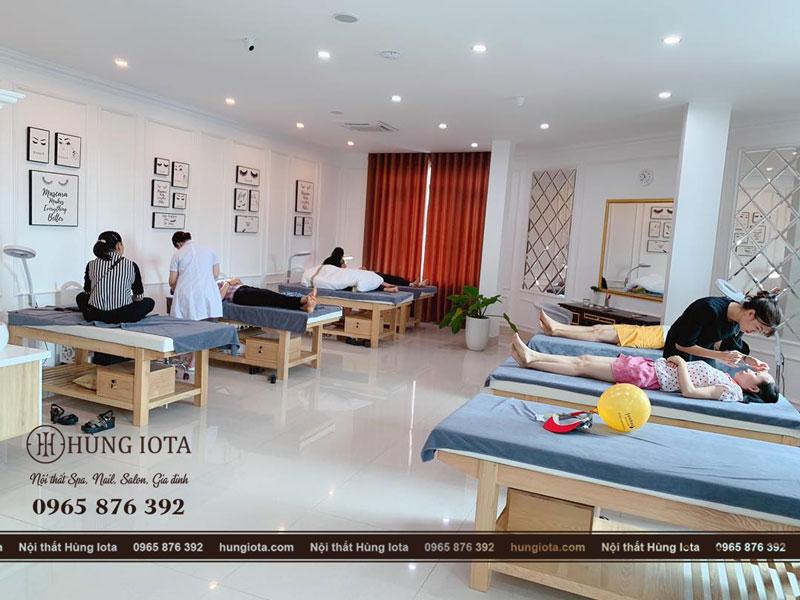 Giường massage body spa lắp dat cho khách hàng