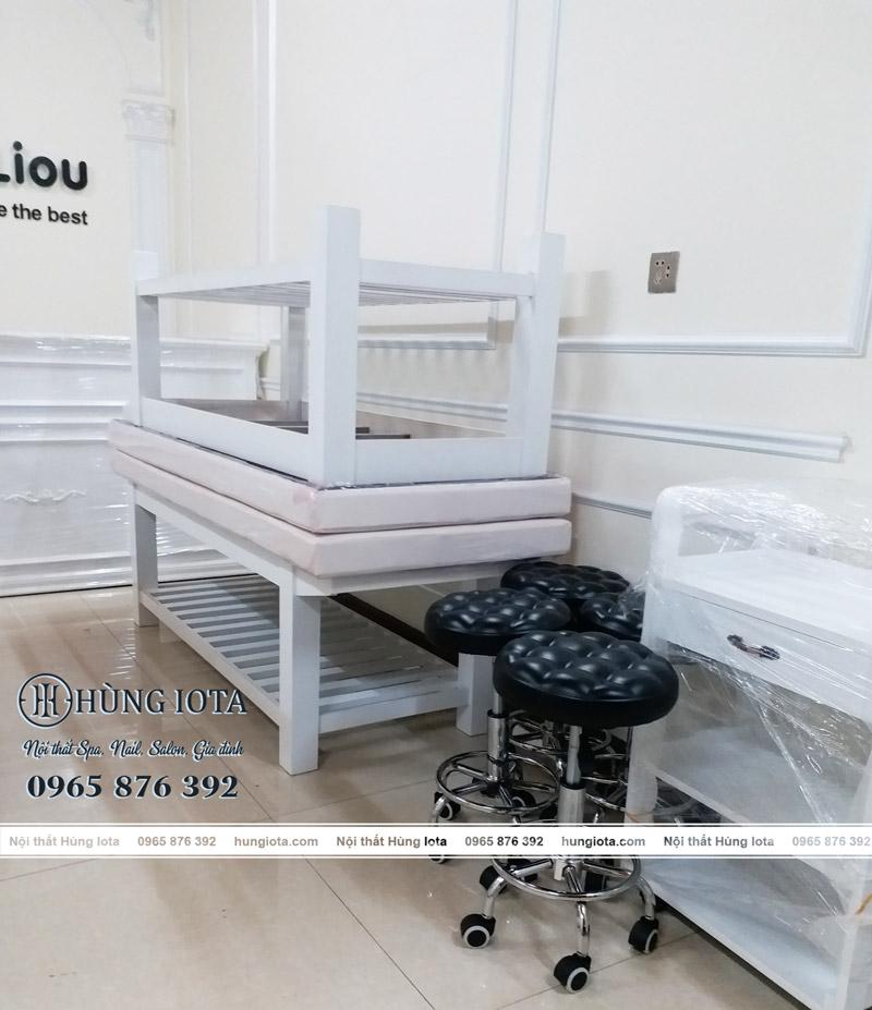 Giường spa trắng, xe đẩy spa, tủ spa, ghế spa tại Bắc Ninh