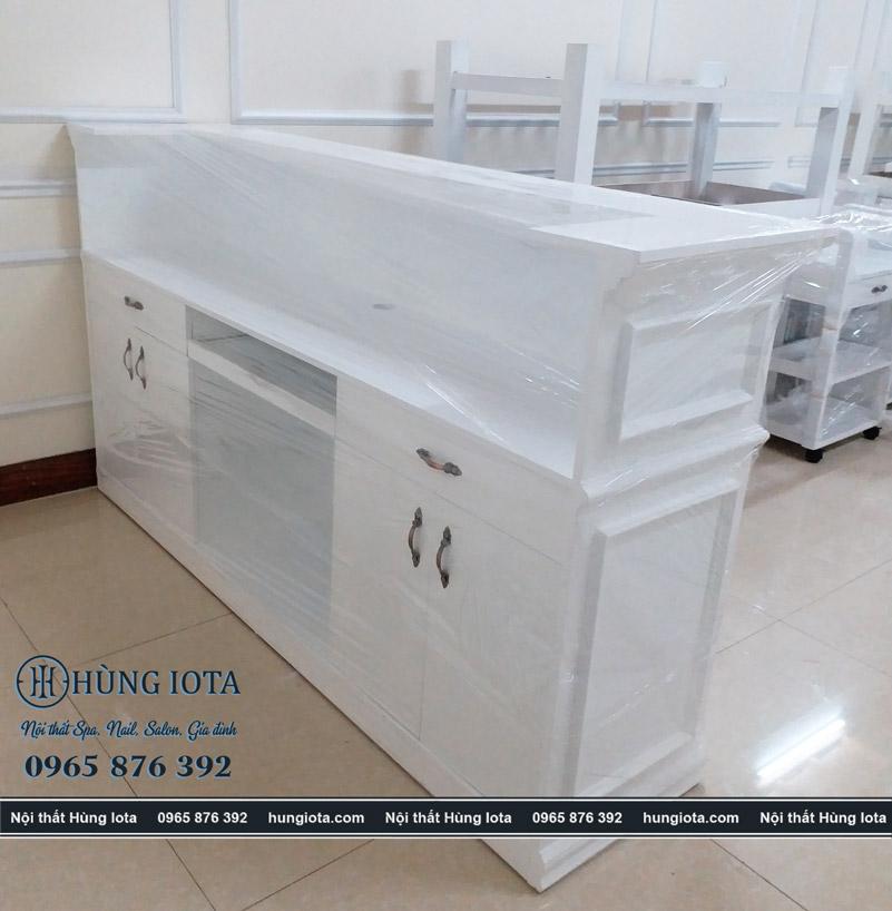 Quầy thu ngân spa trắng Spa Chen & Liou Bắc Ninh