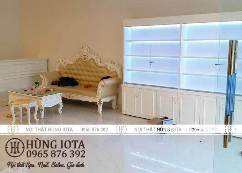 Tủ sản phẩm spa và ghế sofa spa tân cổ điển