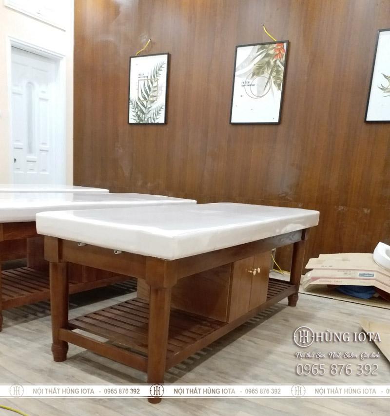 Giường spa màu hạt dẻ gỗ sồi giá rẻ cho spa, thẩm mỹ viện