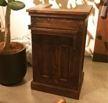 Quầy thu ngân cổ điển vàng gỗ đẹp giá rẻ cho salon tóc, spa QTN08