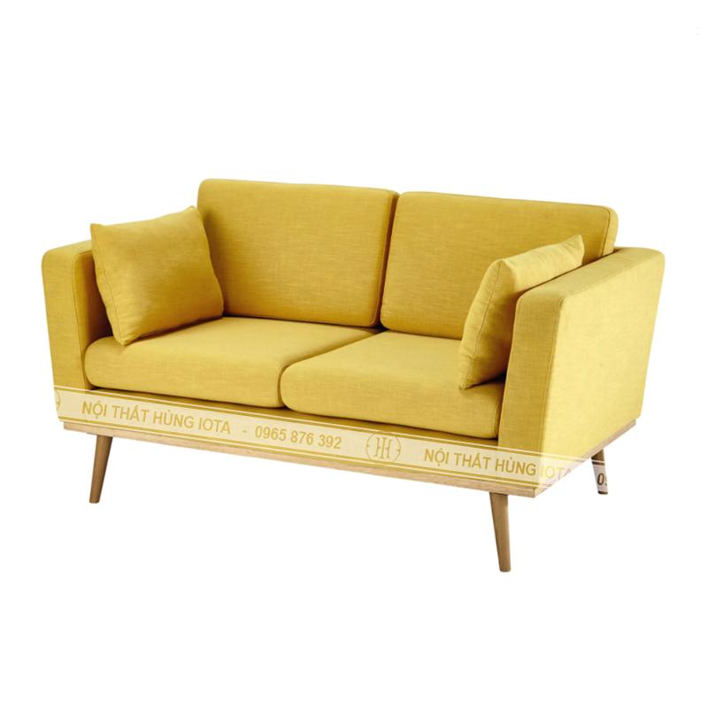 Sofa đơn giản màu vàng có tựa cho gia đình