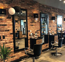 Gương cắt tóc màu đen khung gỗ hình chữ nhật GCT18