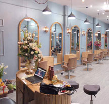 Gương cắt tóc màu gỗ tự nhiên mái vòm đẹp giá rẻ cho salon tóc GCT12B