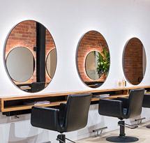 Gương tròn cắt tóc và tủ dưới gương màu gỗ đẹp cho tiệm cắt tóc GCT21