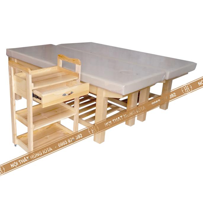 Xe đẩy spa gỗ sồi và giường spa màu trắng be gỗ sồi