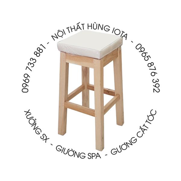 Ghế gỗ spa màu trắng cho kỹ thuật viên