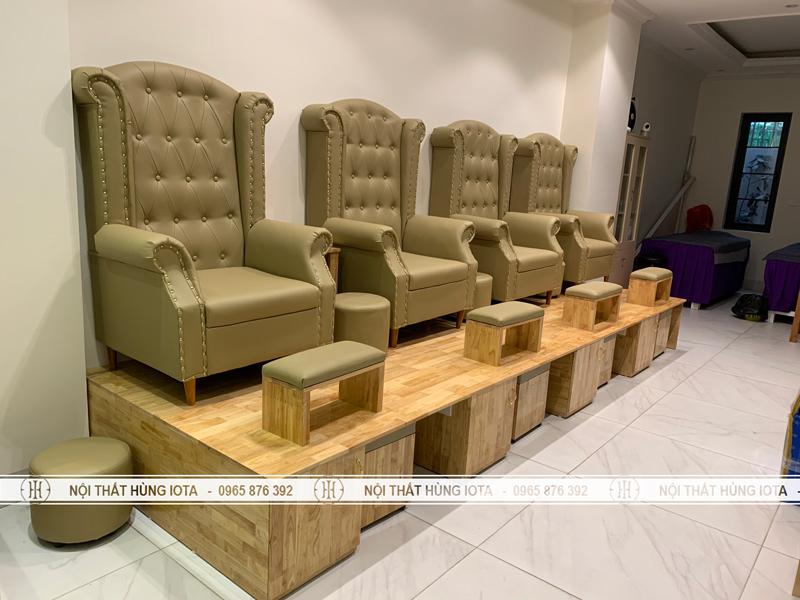 Bàn ghế làm móng cho tiệm nail người Hàn Quốc
