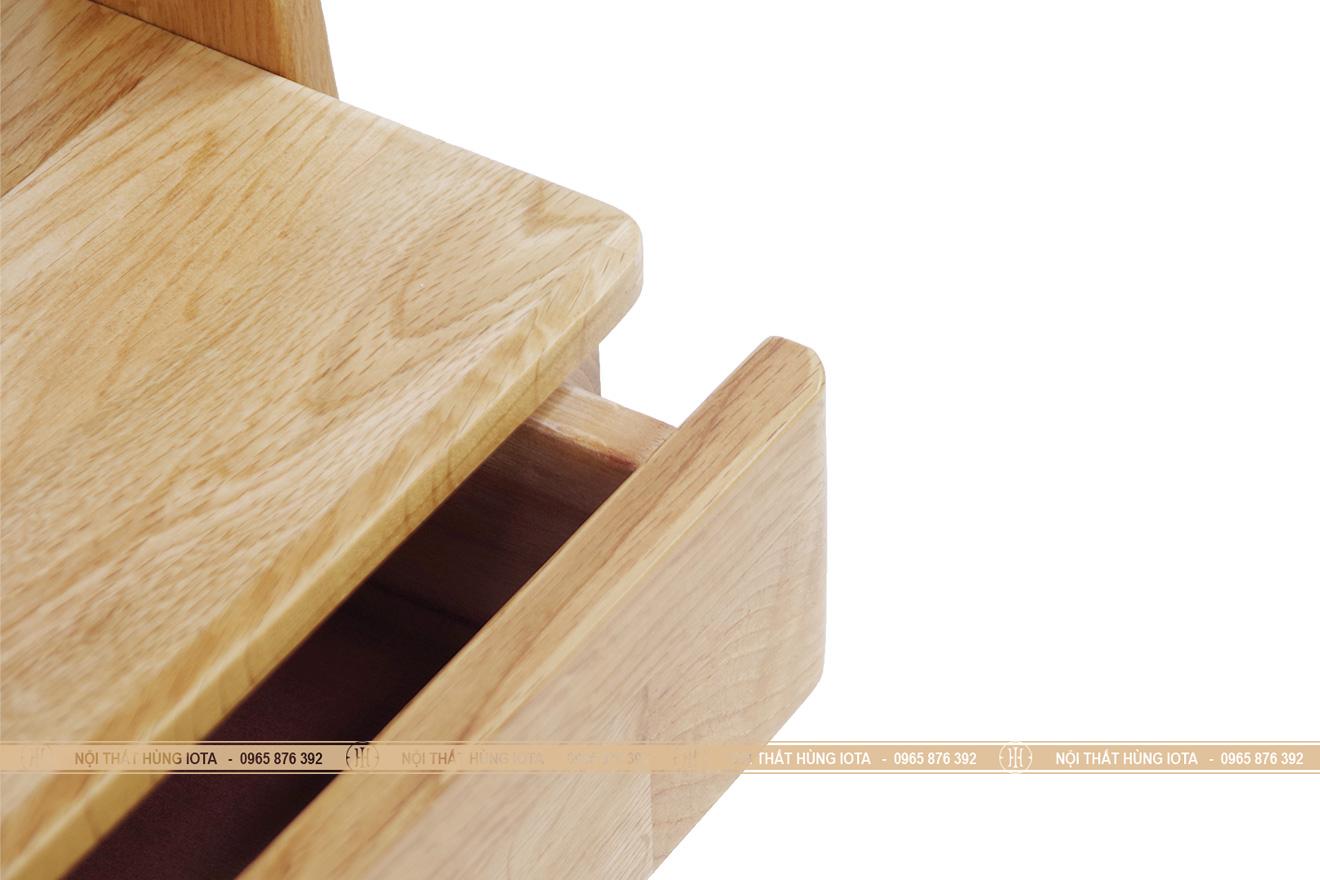 Cận cảnh kệ tủ gỗ sồi treo quần áo hình thang đẹp