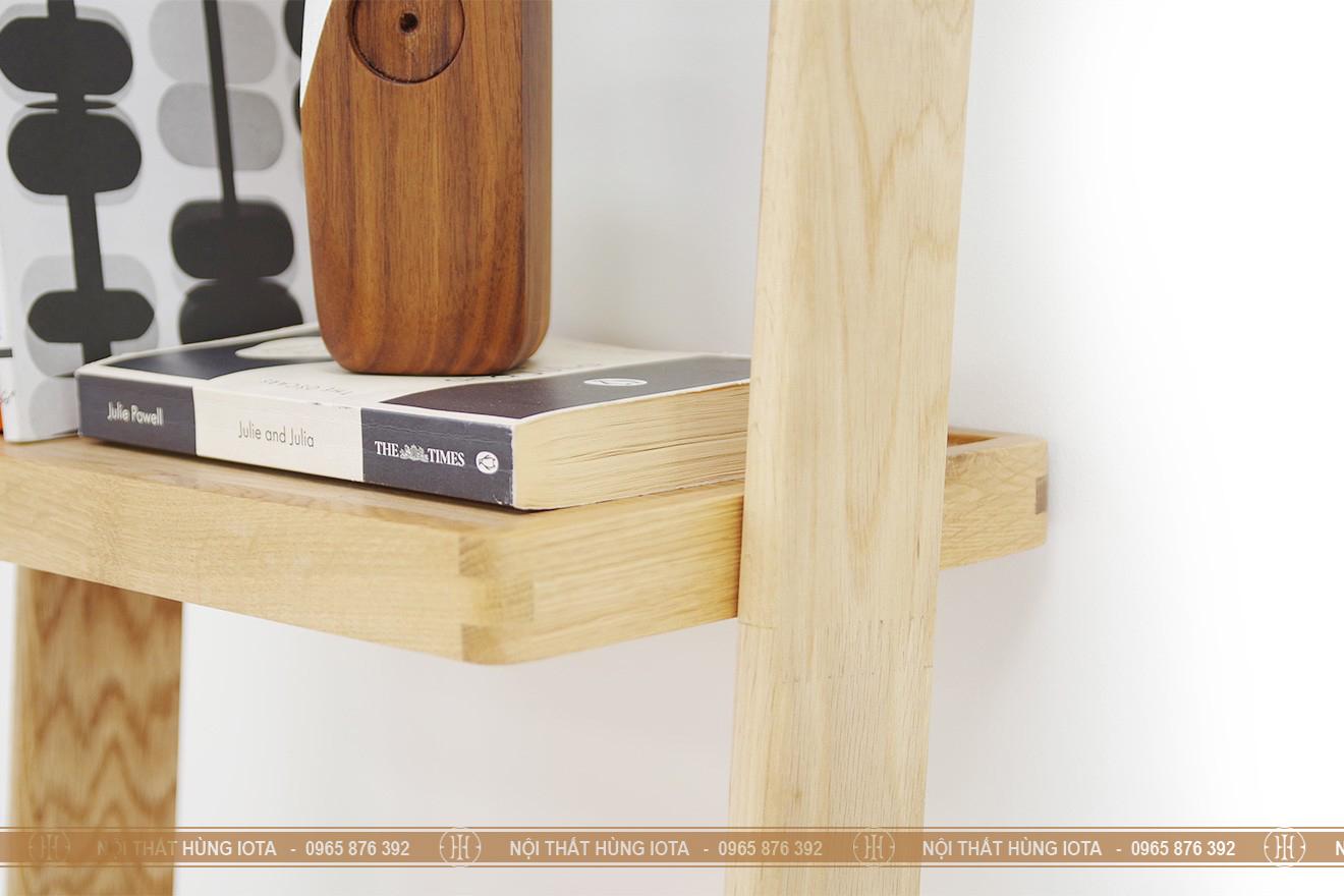 Chi tiết kệ gỗ sồi 5 tầng đựng sách hình thang giá rẻ