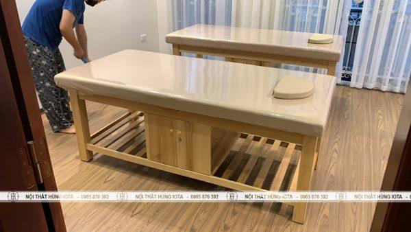 Giường spa gỗ sồi có tủ sơn màu gỗ tự nhiên đẹp giá rẻ