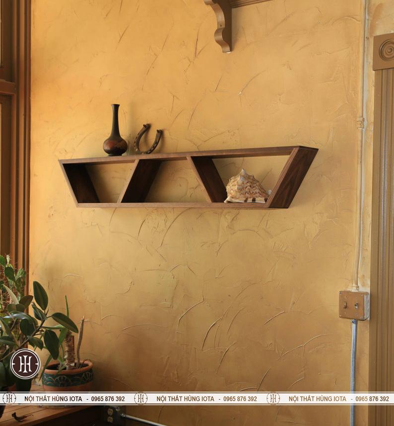 Kệ gỗ hình thang trang trí phòng gia đình và spa