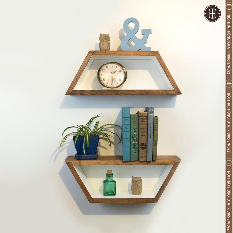 kệ gỗ treo tường cho tiệm nail decor