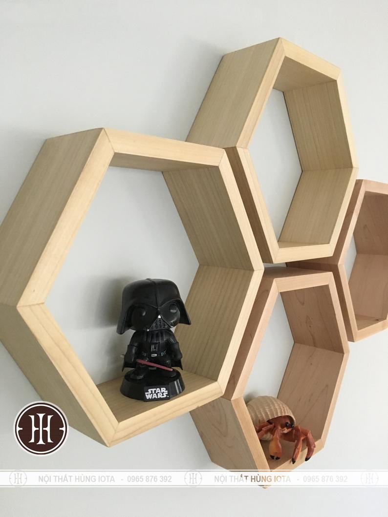 Kệ gỗ treo tường hình lục giác decor cho nail