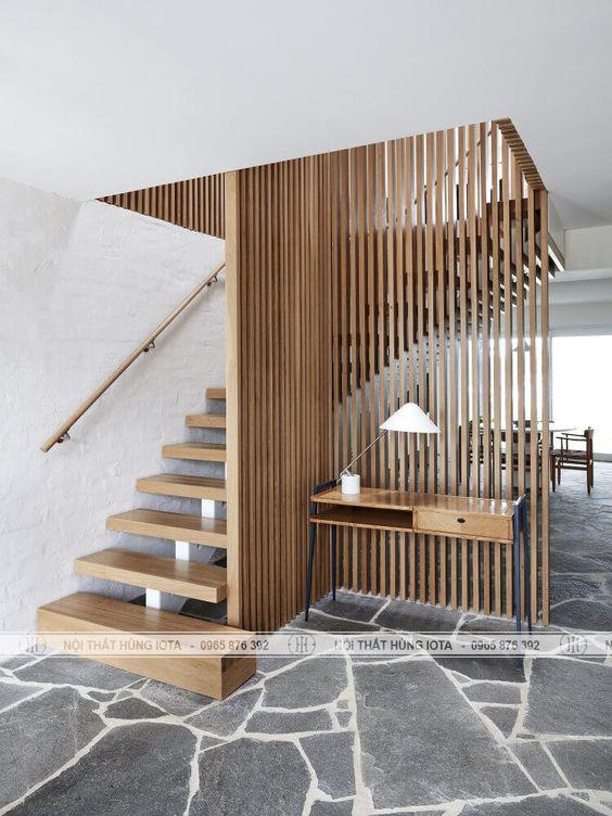 Thiết kế vách gỗ ốp chân cầu thang đẹp cho gia đình, tmv, spa, nail