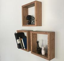 Kệ gỗ hình vuông đơn giản trang trí spa, nail KTD14