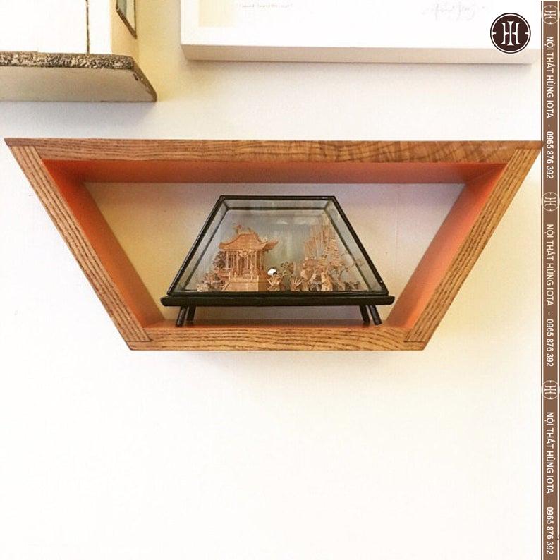Kệ gỗ decor spa hình thang nhỏ