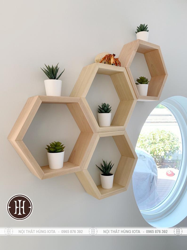 Kệ gỗ lục giác treo tường trang trí phòng decor