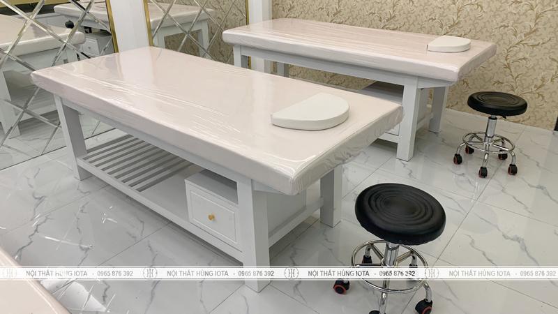 Giường massage body có tủ nhỏ màu trắng cho spa