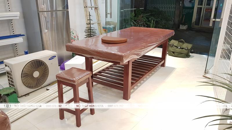 Giường massage body và ghế spa gỗ sồi cho spa ở Đông Anh