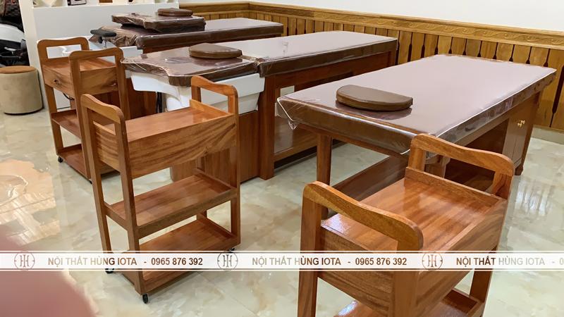 Giường massage body và xe đẩy gỗ xoan đào cho spa tại Lạng Sơn