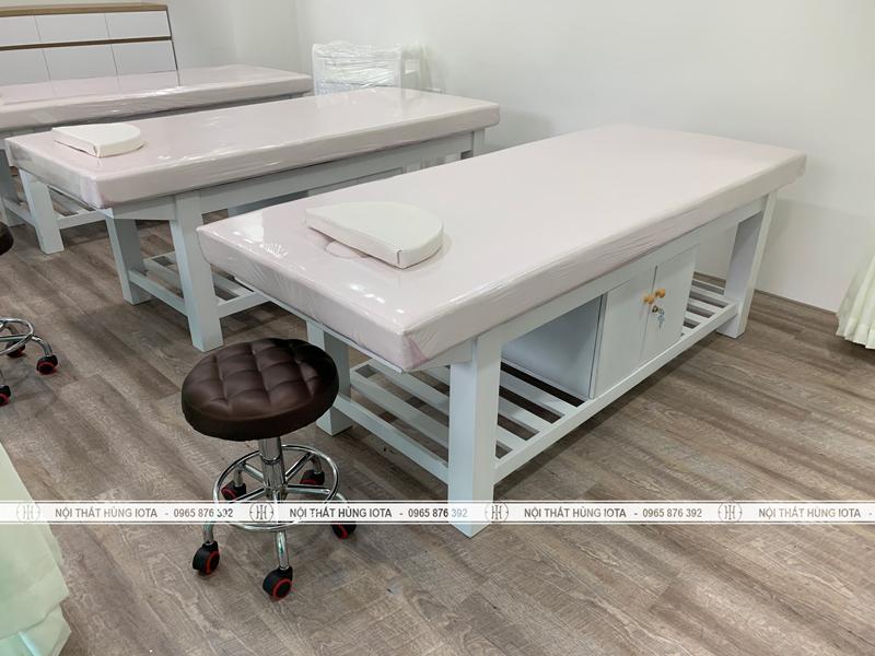 Giường massage có tủ màu trắng đẹp cho spa hay thẩm mỹ viện