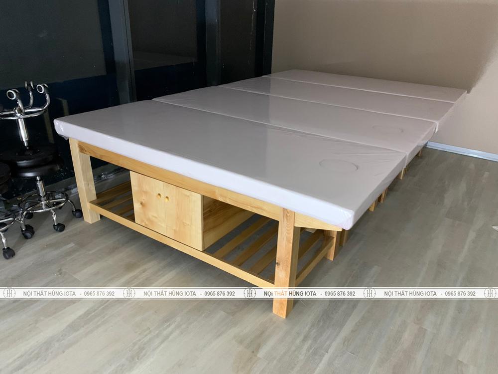 Giường spa đệm bông ép hay giường massage màu trắng cho spa Nguyễn Chí Thanh