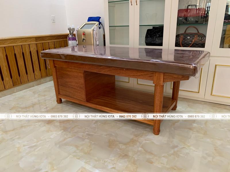 Giường spa massage body gỗ xoan đào có tủ và chân tiện tròn