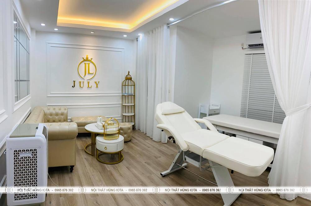 Lắp đặt nội thất spa July Beauty Clinic tại đường Láng gồm giường, xe đẩy, tủ