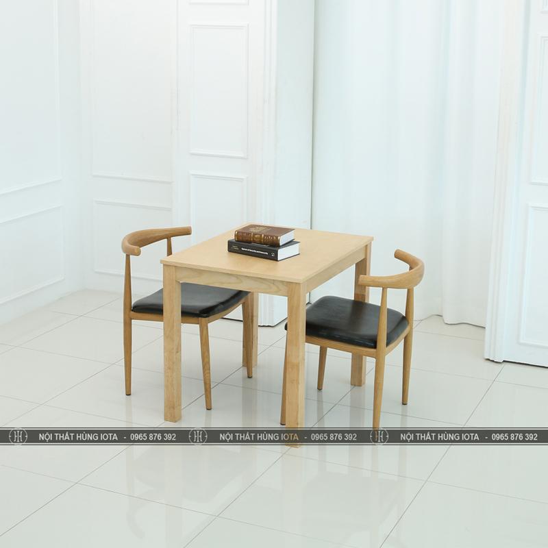 Bàn ghế gỗ làm việc nhỏ gọn đẹp 2 người giá rẻ hình đầu bò