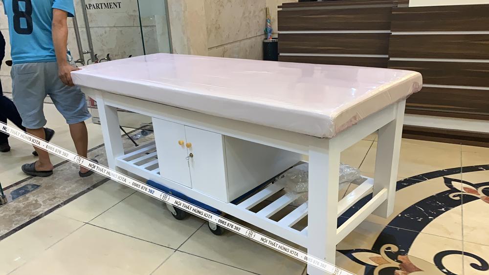 Lắp đặt giường massage body có tủ tại chung cư Royal City