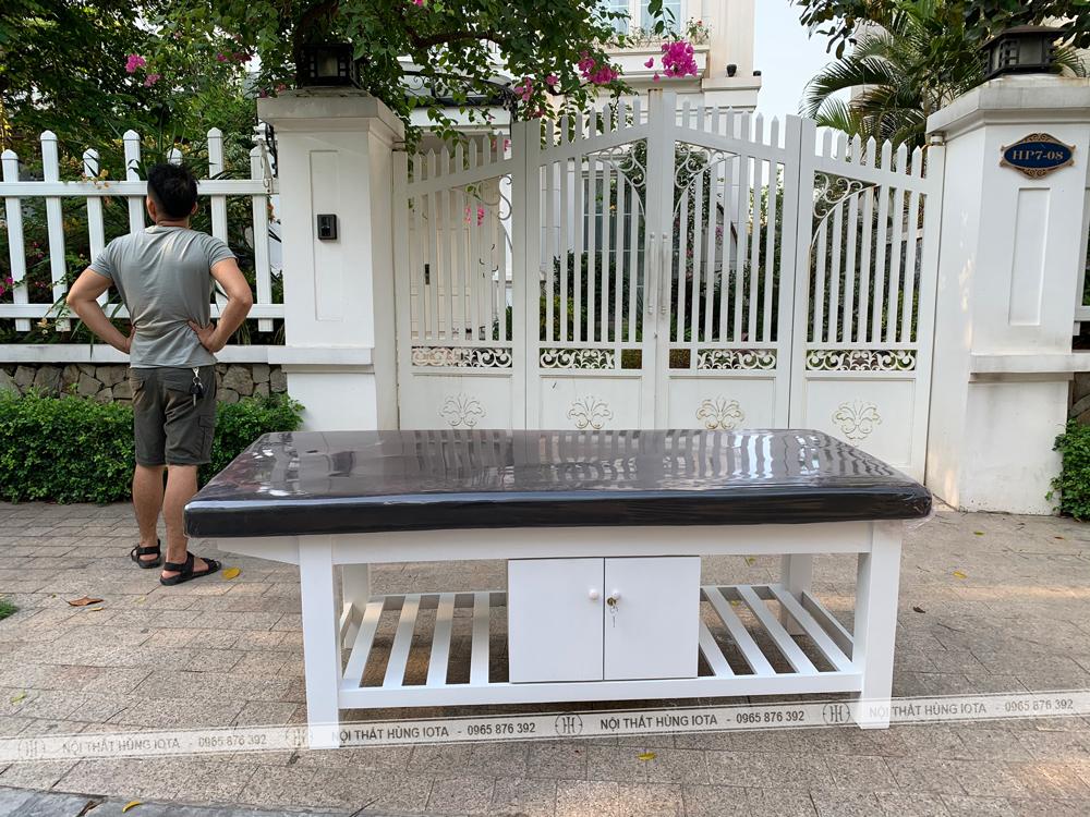 Vận chuyển lắp đặt giường massage gia đình đẹp giá rẻ màu trắng