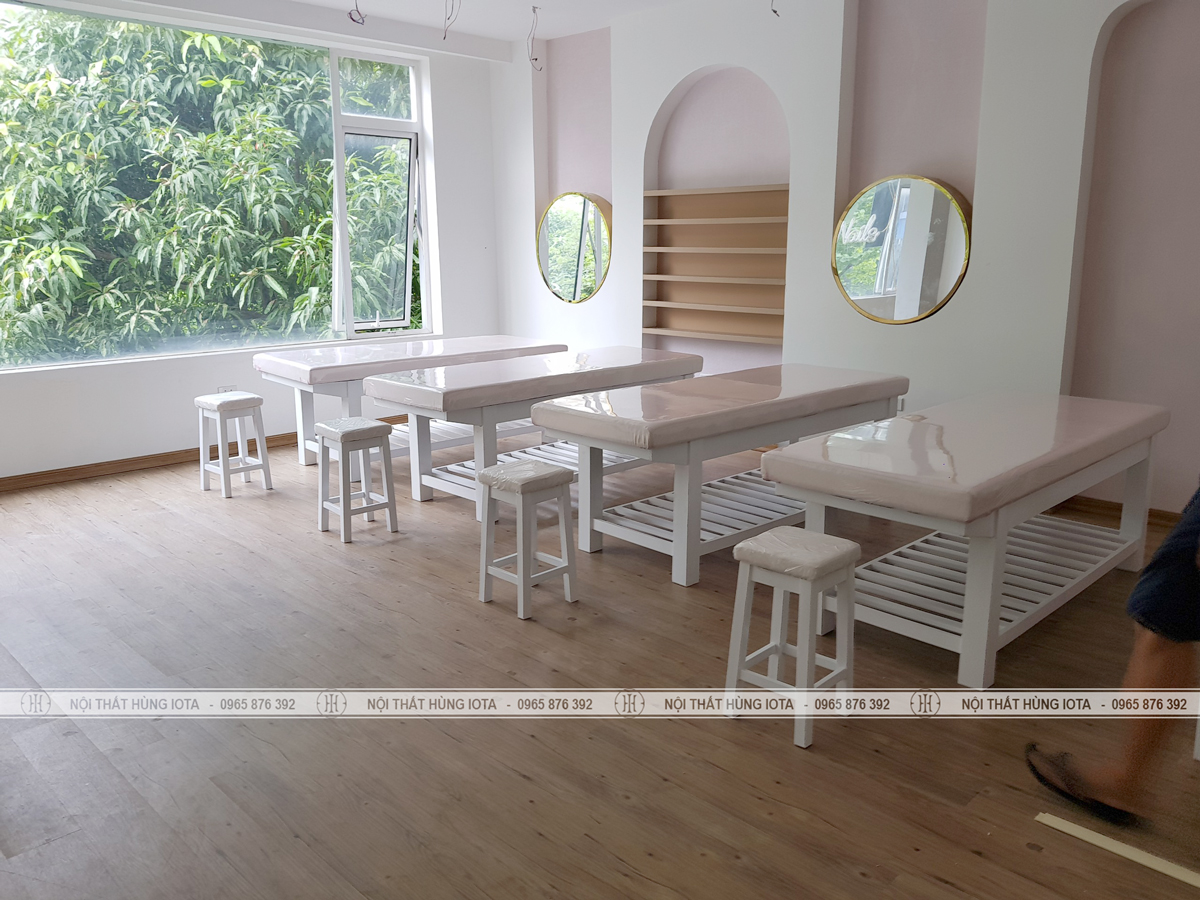 Ghế gỗ spa cho kỹ thuật viên và giường spa gỗ thông với tủ spa