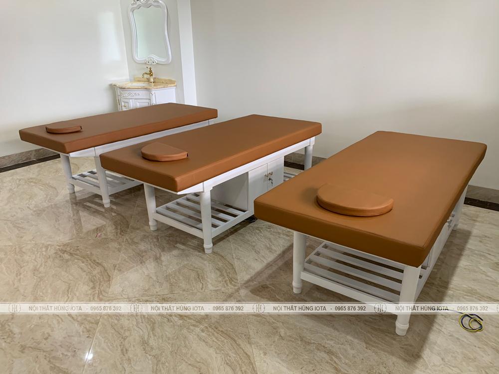 Giường massage body có tủ gỗ sồi lắp đặt cho Kinh Đô Spa ở Quảng Ninh