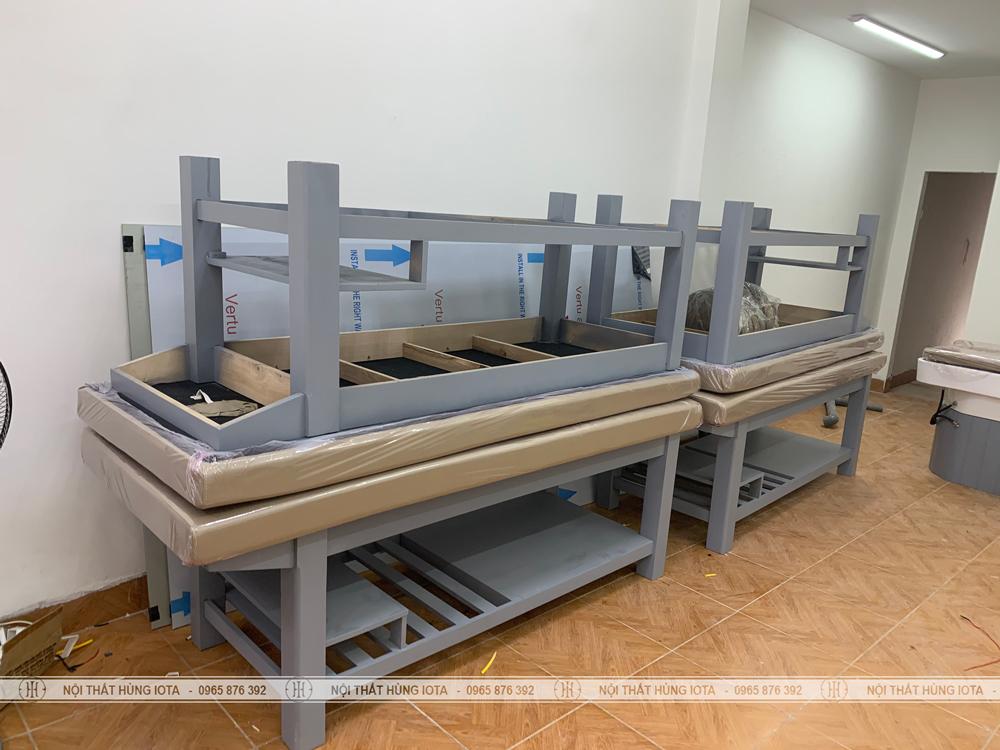 Lắp đặt giường massage màu xi măng cho khách hàng ở Long Biên, Hà Nội