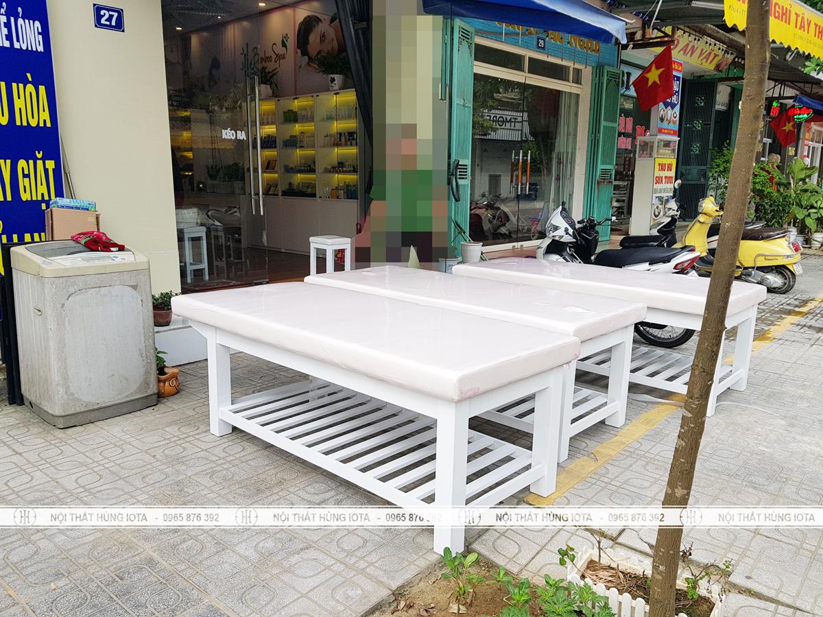 Lắp đặt giường spa màu trắng tại Phú Thọ cho Bamboo Spa