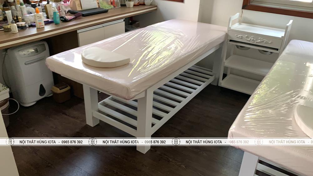 Lắp đặt nội thất spa màu trắng cho spa tại Palm Garden Việt Hưng Long Biên cho chị Nga
