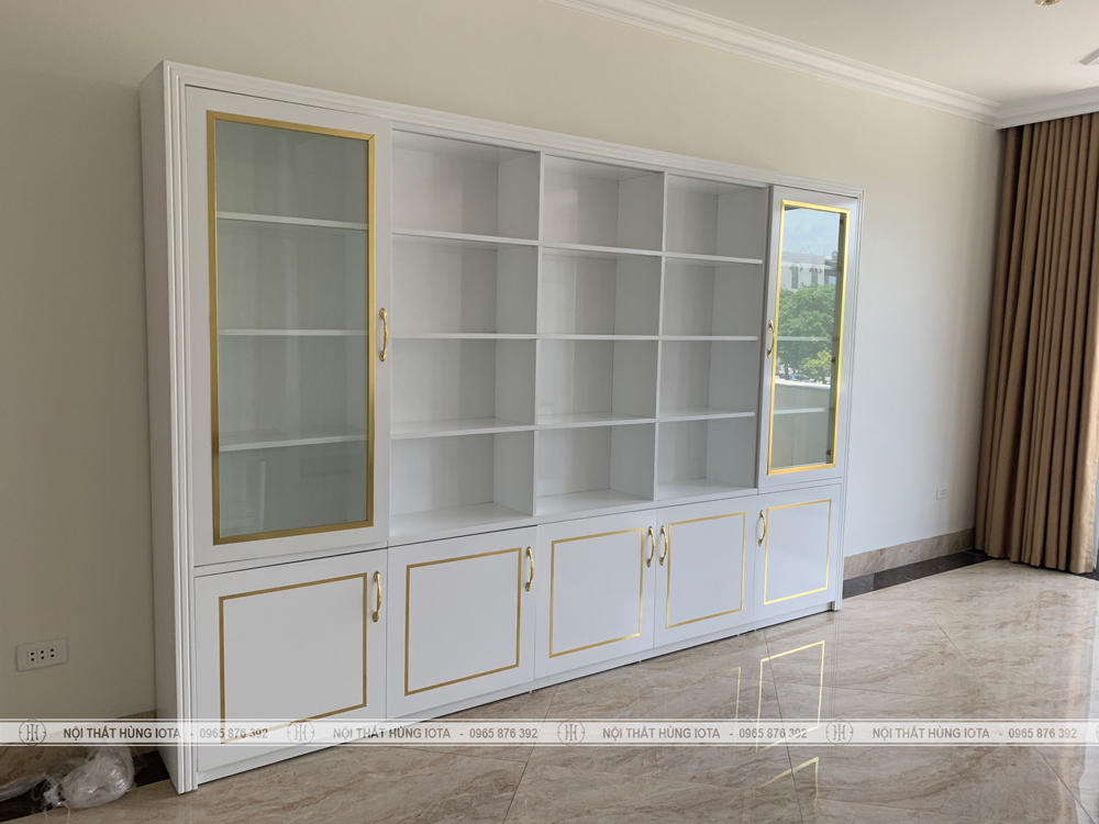 Tủ trưng bày sản phẩm spa màu trắng đẹp giá rẻ tại xưởng Hùng Iota