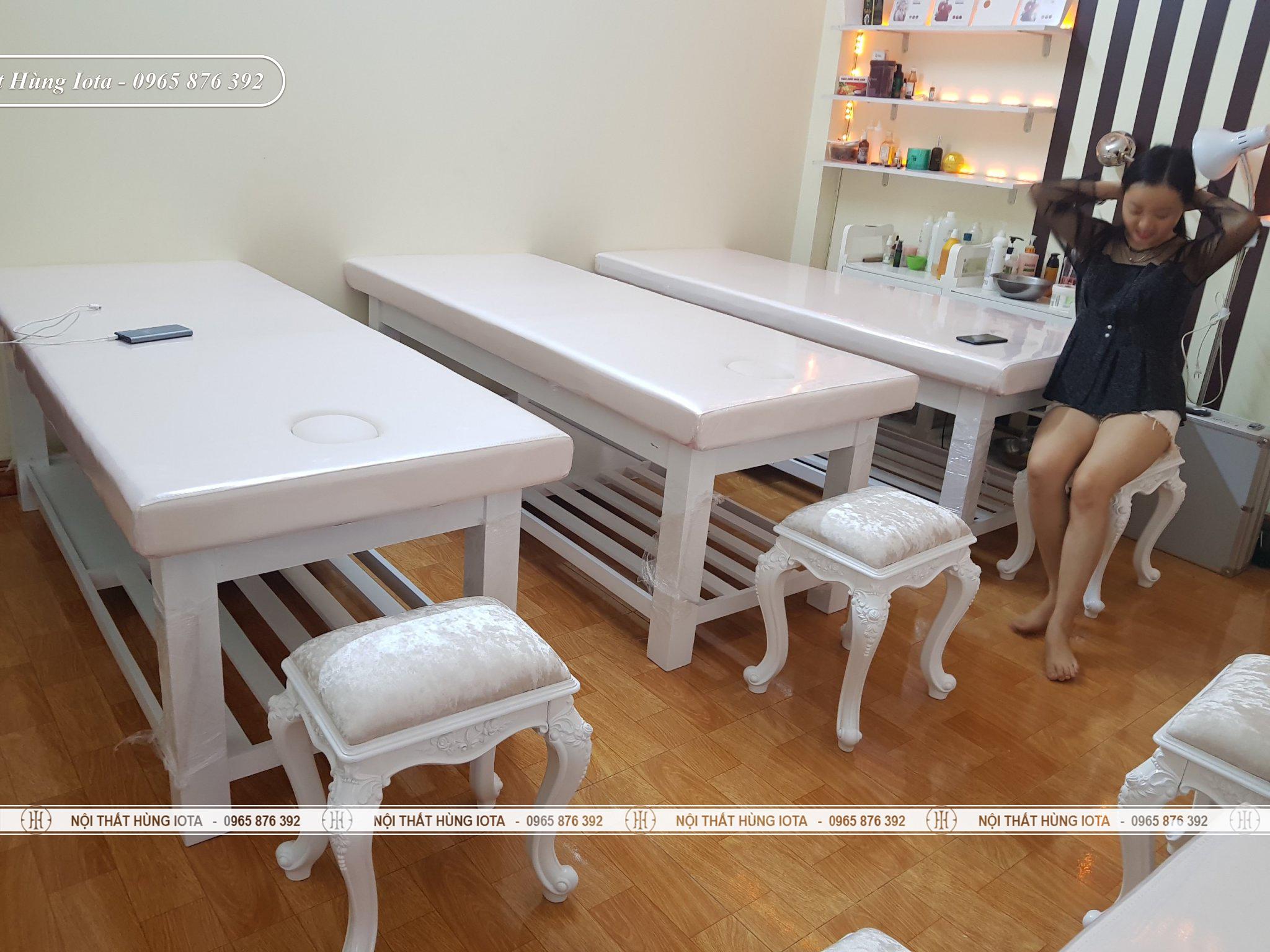 Giường massage body màu trắng thiết kế mới 2020