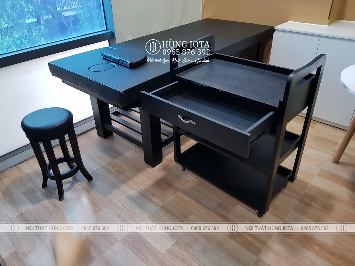 Giường spa nâng đầu, xe đẩy spa, ghế gỗ spa tròn màu đen sang trọng