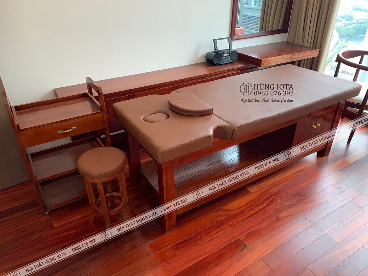 Lắp đặt nội thất spa màu gỗ hương đẹp giá tại xưởng cho phòng massage Vinhomes Metropolis