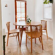 Bàn ghế ăn tròn cho chung cư 4 ghế 9 nan decor BGA08