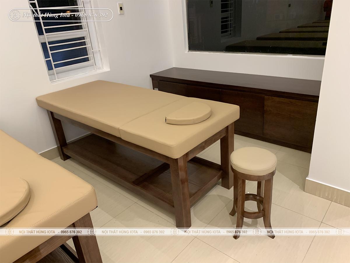 Tủ đựng khăn spa màu óc chó lắp đặt cho spa ở Hải Phòng