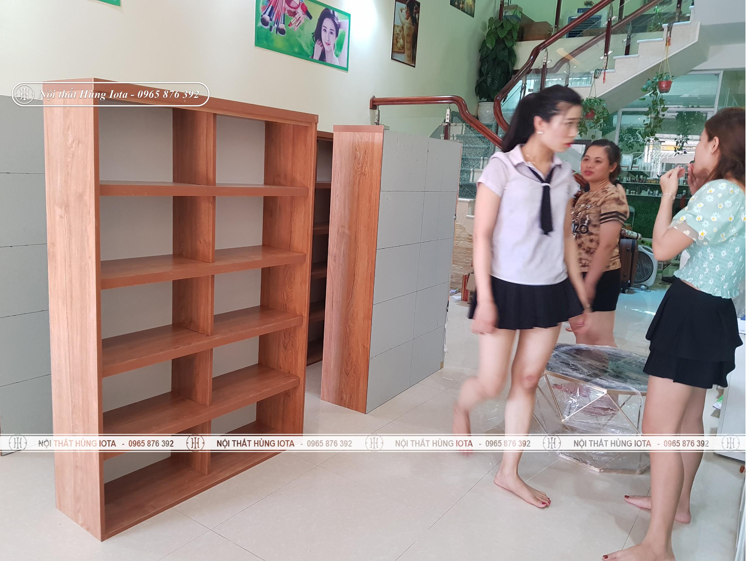 Tủ spa trưng bày sản phẩm, mỹ phẩm spa
